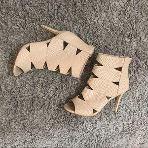 Beige peel toe sandal heel
